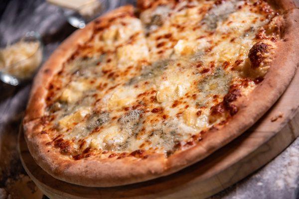 Proper Pizza & Pasta Quattro Formaggi 03