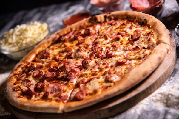 Proper Pizza & Pasta Carnivora 02