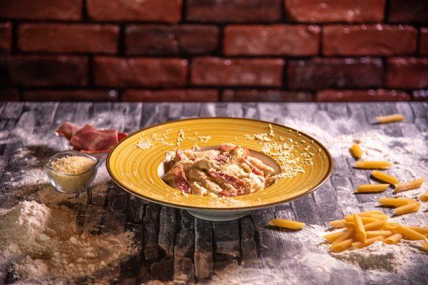 Proper Pizza & Pasta Paste - Penne Carbonara 00