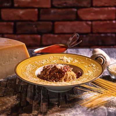 Proper Pizza & Pasta Paste - Spaghetti Bolognese 00